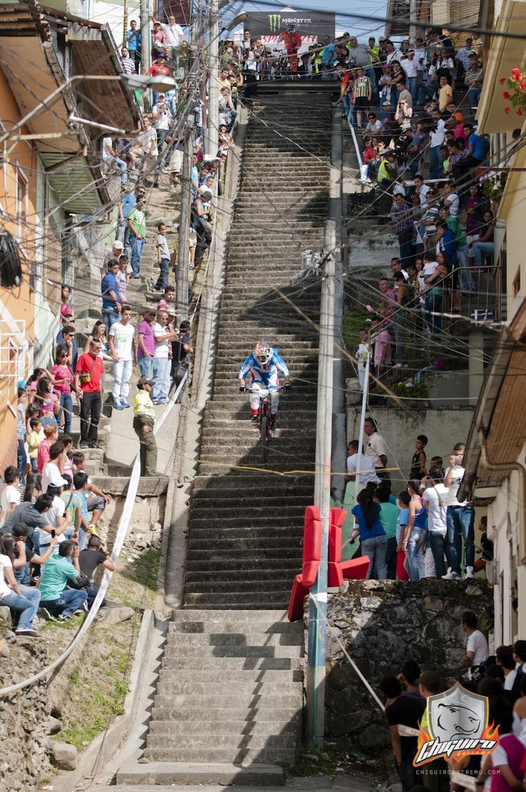 2013 Manizales Urban DH Race Photos and Videos