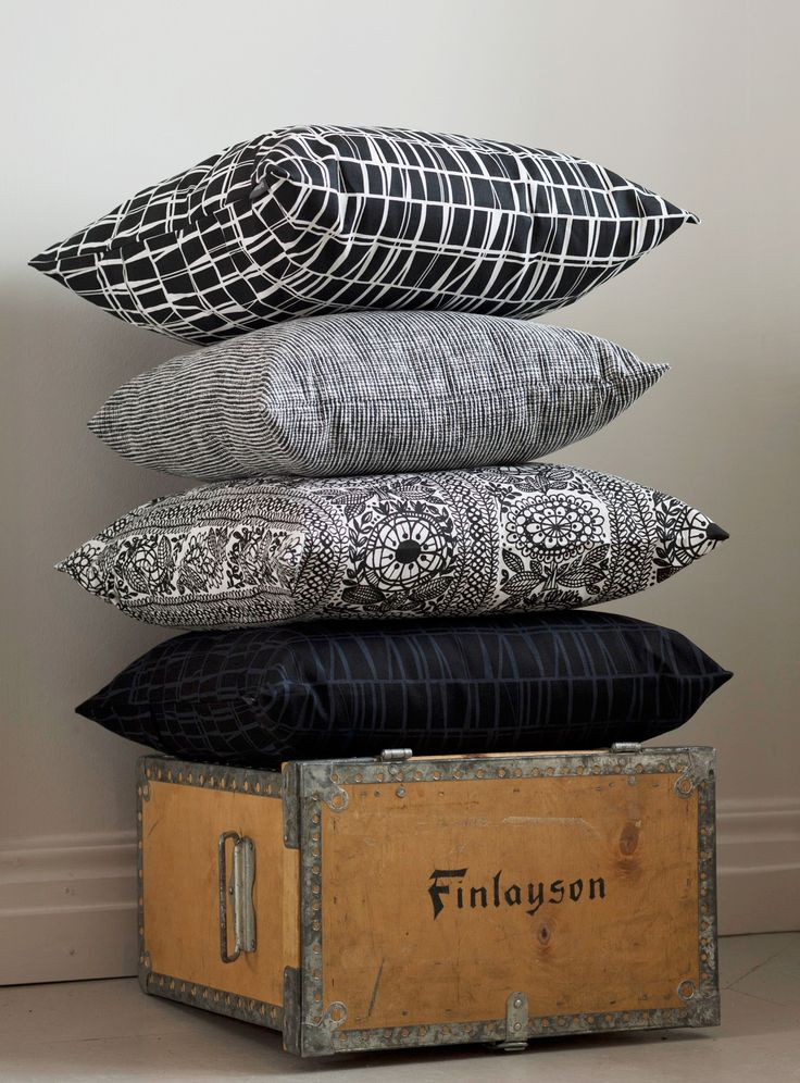 Taimi and Coronna decorative pillowcases  | Coronna ja Taimi koristetyynyn päälliset