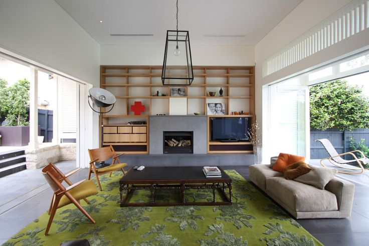 Love the colours. Hadn't really considered green but that rug is gorgeous with the browns, greys, whites and oranges.