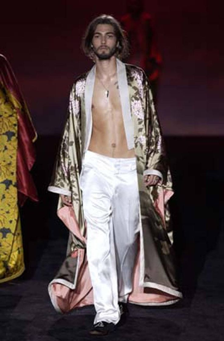 Tom Ford for Gucci Spring/Summer 2003 Silk Kimono