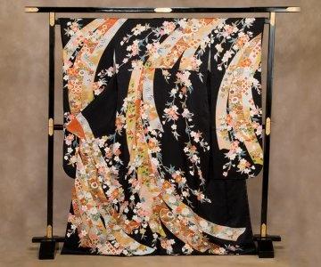 振り袖:黒/のしにしだれ花   Furisode : black / Decoration of flower
