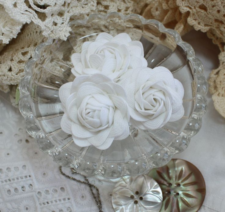 Wild Rose Vintage: Crochet Flowers and Rick Rack Roses