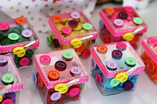 Caixinhas personalizadas com botões de costura para Lalalaloopsy