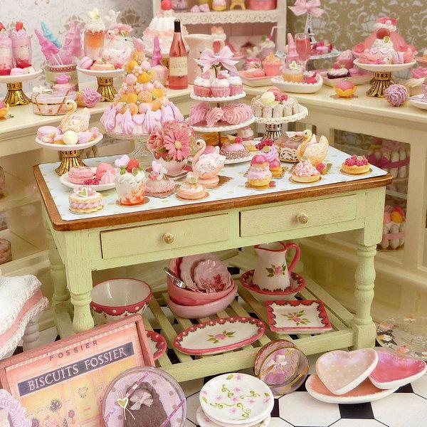 Miniatures From Paris Miniatures