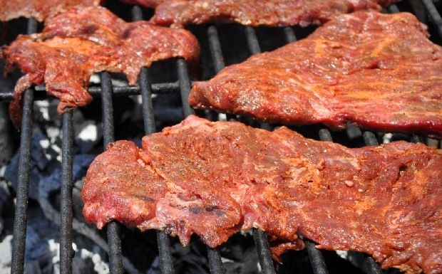 carne asada on the grill, this is suppose to be the best carne asada marinade, need to try this recipe