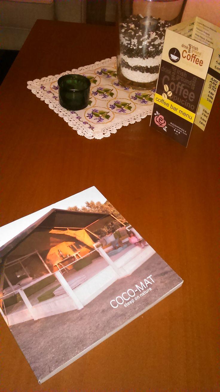 Οι κατάλογοι της εταιρείας Coco-Mat βρίσκονται στα σαλόνια του Lobby του ξενοδοχείου μας, προς ενημέρωση των επισκεπτών μας.