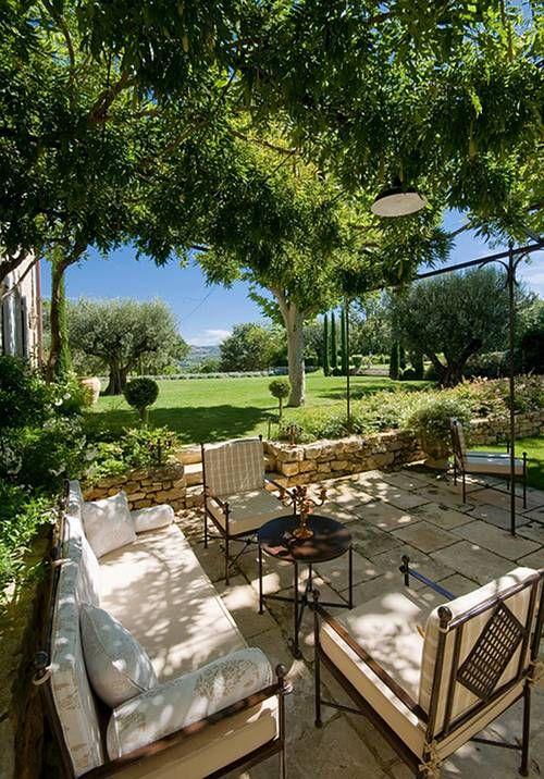 Provence, terrace de luxe: