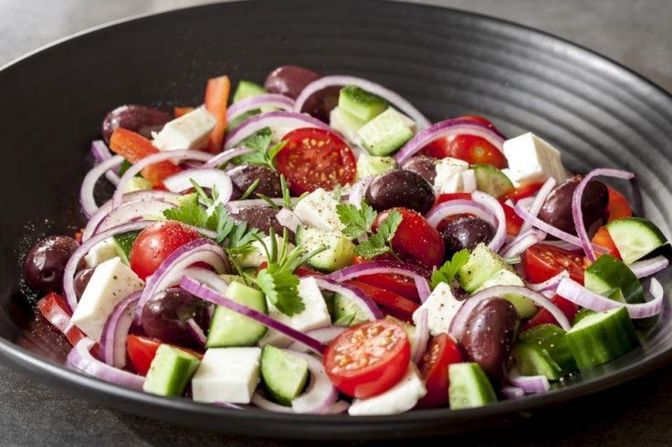 Salade grecque de concombres...ce soir le feta est à l'honneur