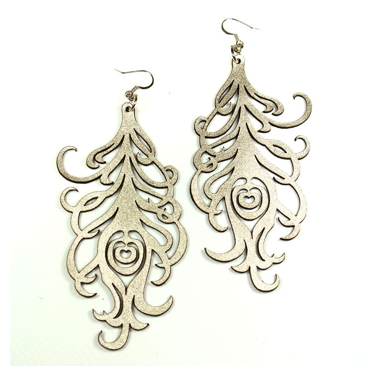 Peacock leather earrings in pale gold