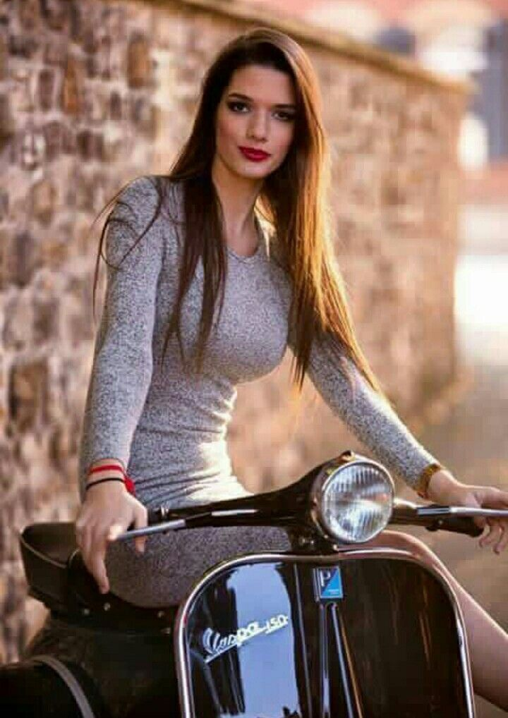 Hot Roller Babe .. – #babe #Hot #Scooter