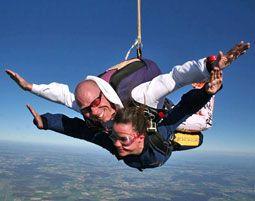 Fallschirmspringen - Mache einen Tandemsprung
