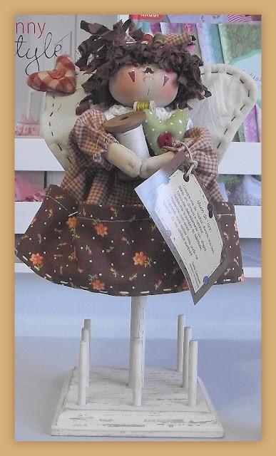 DeMello Artes Ateliê: Curso de Bonecas de Pano e Pintura Folk Art em Juiz de Fora