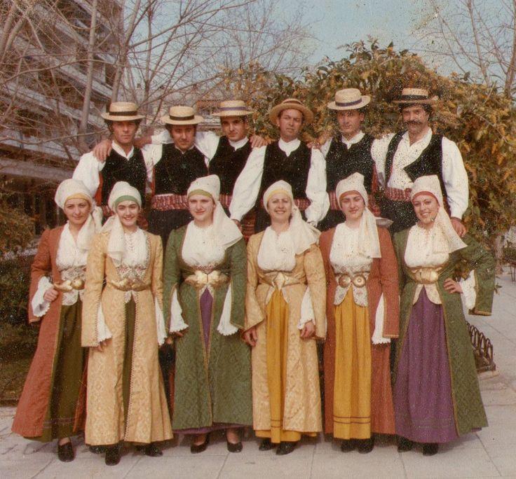 Ο Χορευτικός Λαογραφικός Πολιτιστικός Όμιλος Τήνου (ΧΟΡΕ.Λ.Π.Ο.Τ.) 1988 - 1998
