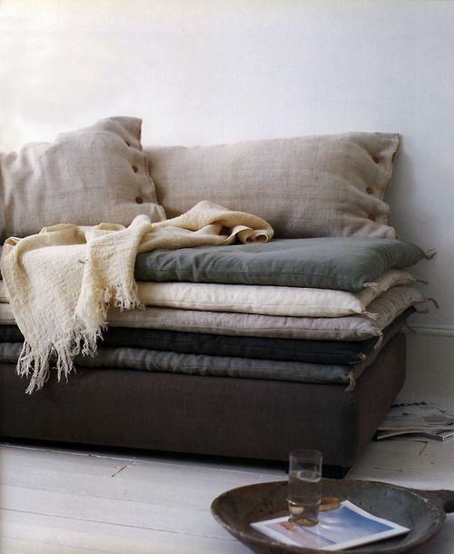 Black Leather Sofa Throw Pillows: 1000+ Ideas About Sofa Pillows On Pinterest