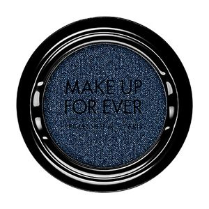 MAKE UP FOR EVER Artist Shadow D222 Night Blue (Diamond) takes your usual black for a midnight spin. Find out more by clicking on the pic.