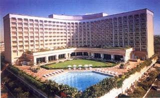 http://asian-tourist.blogspot.com/2012/06/hotels-in-india.html