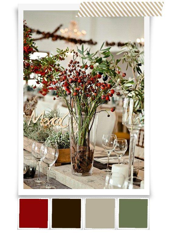 Diese natürliche patente Palette, die sich aus Beeren und grobem Holz zusammensetzt, gefällt uns außerordentlich gut. Wäre vielleicht etwas für eine Hochzeit auf dem Land und in einer Scheune. Edel, aber nicht altbacken. Das tiefe Rot harmoniert so schön mit dem groben Holz. Das sind übrigens ganz normales Schalholz aus dem Baumarkt, wie man es …
