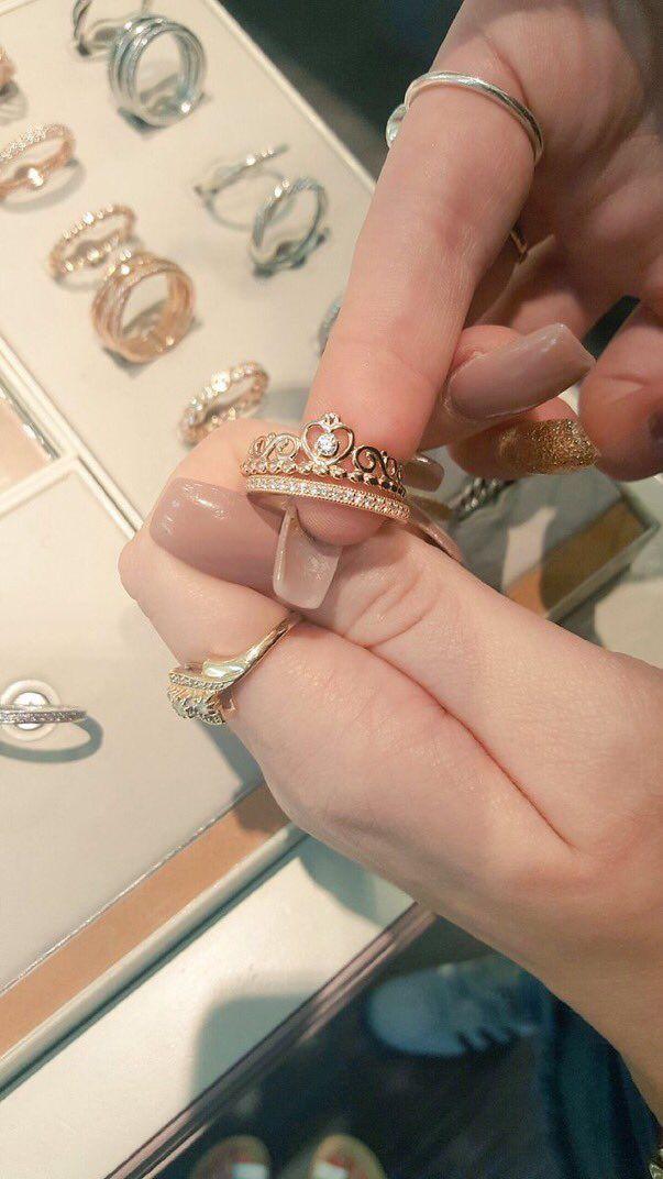 Pandora rose gold princess ring