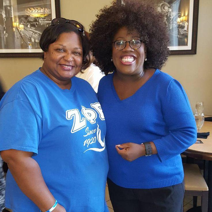 Soror Wanda Blocker of ADZ Chapter-Jackson, MS poses with our Past IGB Soror Sheryl Underwood in Jackson, MS during breakfast  Black Greek Weekend-2016