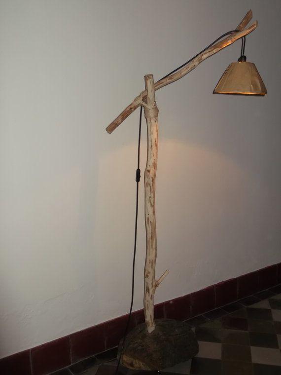 houten staanlamp van roomfromchaos op Etsy, €87.62