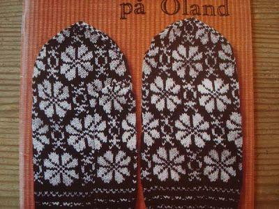 "Tålamodspåsen: Öland. Bogen hedder ""Stickmönster på Öland"" af Maria Leimar, Ullcentrum.com"