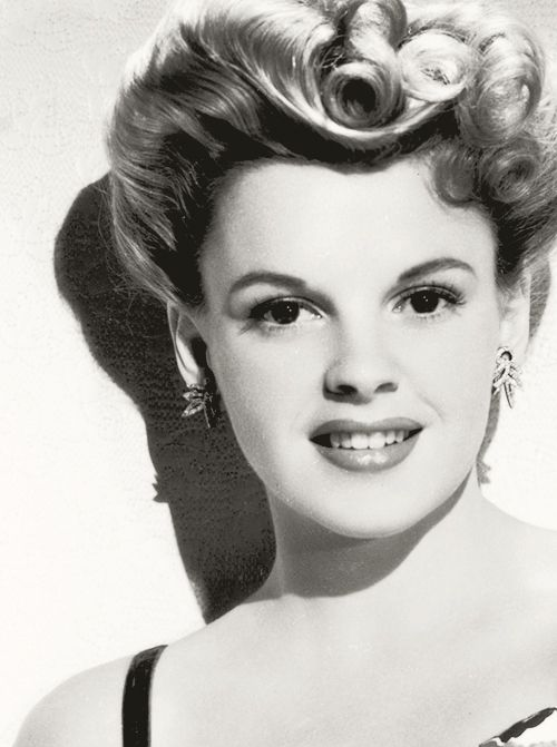 love her hair here- still do able Judy Garland http://pinterest.com/pin/126452702009365390/repin/