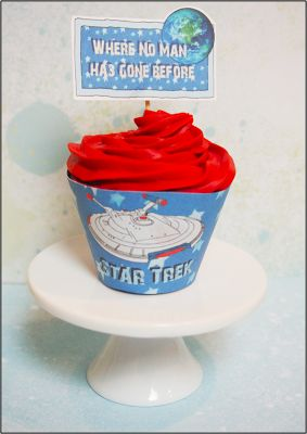 Star Trek printable cupcake liners--such a fun party theme.  Free printable!