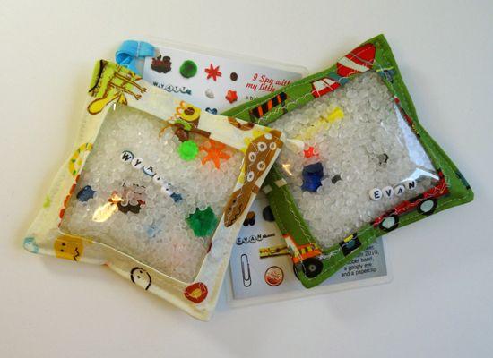 how to make an i-spy bag. http://www.threadridinghood.com/wordpress/made-by-me-monday-i-spy-bag-a-tutorial/