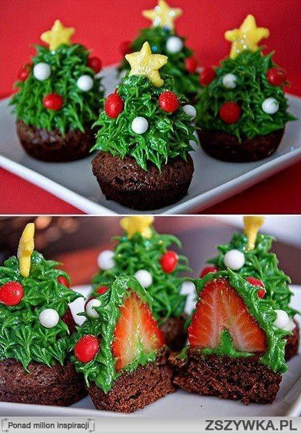 Christmas treats with strawberries and chocolate... yummy!