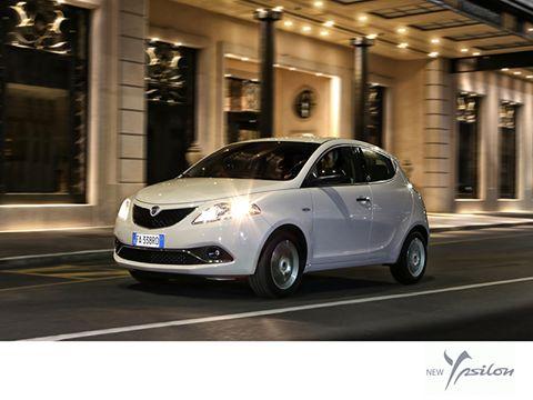 Stworzona by przykuwać spojrzenia. #Lancia #LanciaYpsilon