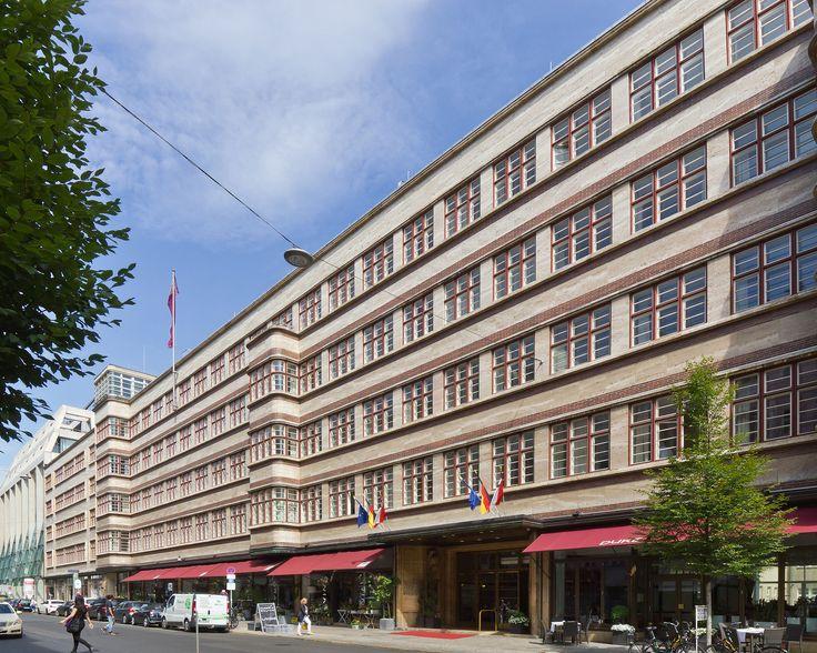 Femina-Palast – Wikipedia Neue Sachlichkeit, gebaut 1929-1931, Bürogebäude, Tanzlokal, heute Hotel Ellington