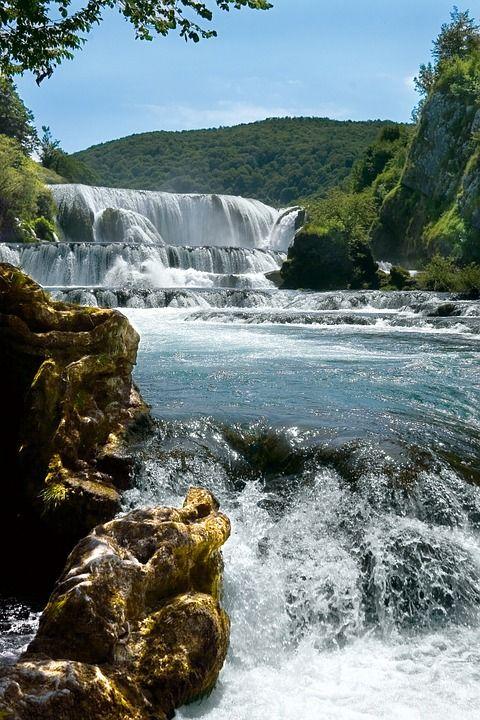 Photostory: a roadtrip across Bosnia & Herzegovina. Experience the natural beauty of this hidden gem in Europe.
