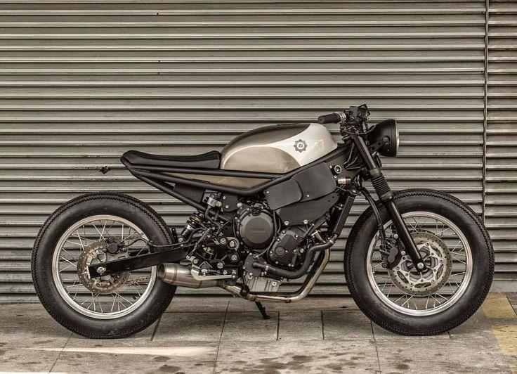 "3,471 Me gusta, 56 comentarios - Bendita Macchina 🇧🇷 (@benditamacchina) en Instagram: ""Pac-Man - Yamaha 600cc 0km. 📸: @classicridersbrasil"""