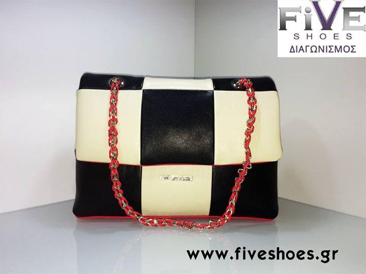 Διαγωνισμός με δώρο μια υπέροχη τσάντα Love Moschino αξίας 199€