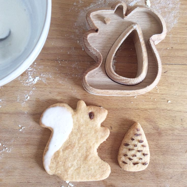 Cookies stamp squirrel in wood Design: Eva Guillet https://www.etsy.com/fr/shop/MilkyWood?ref=hdr_shop_menu