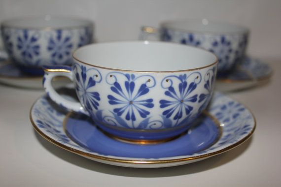Sinikka teacups Arabia Finland, designed by Greta-Lisa Jäderholm-Snellman, pattern design by Olga Osol.