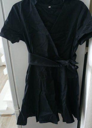 À vendre sur #vintedfrance ! http://www.vinted.fr/mode-femmes/petites-robes-noires/37385987-robe-noire-porte-feuille-neuve