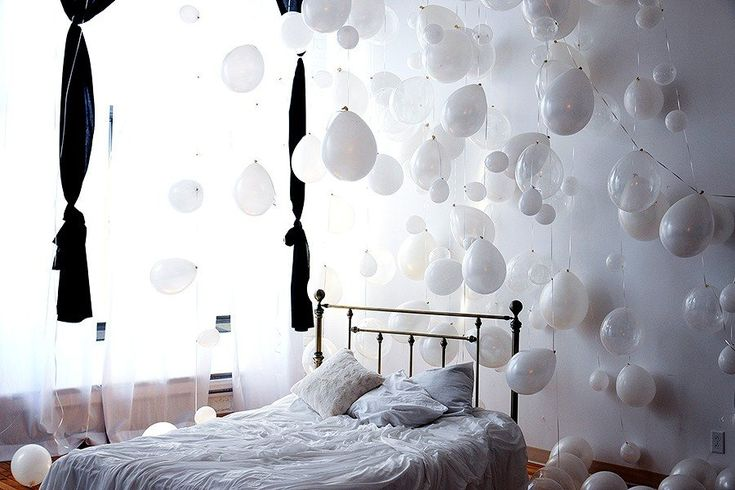 18 best images about balloons decorations on pinterest for Bed decoration with balloons