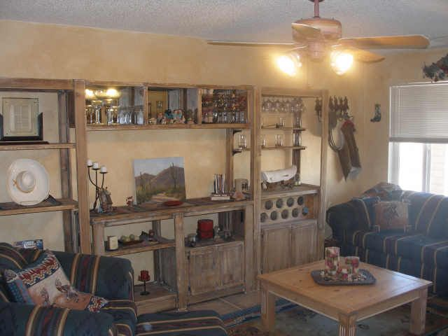 Little cowgirl room decorating ideas cowboy theme room for Cowgirl themed bedroom ideas