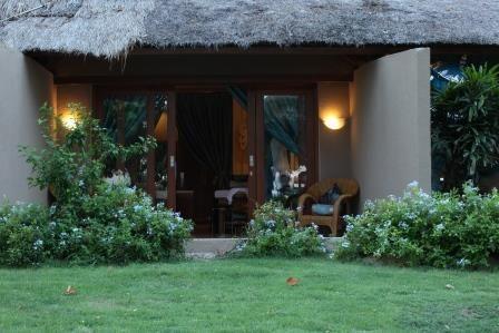 Beautiful gardens at Aroma Spa Retreat Sanur