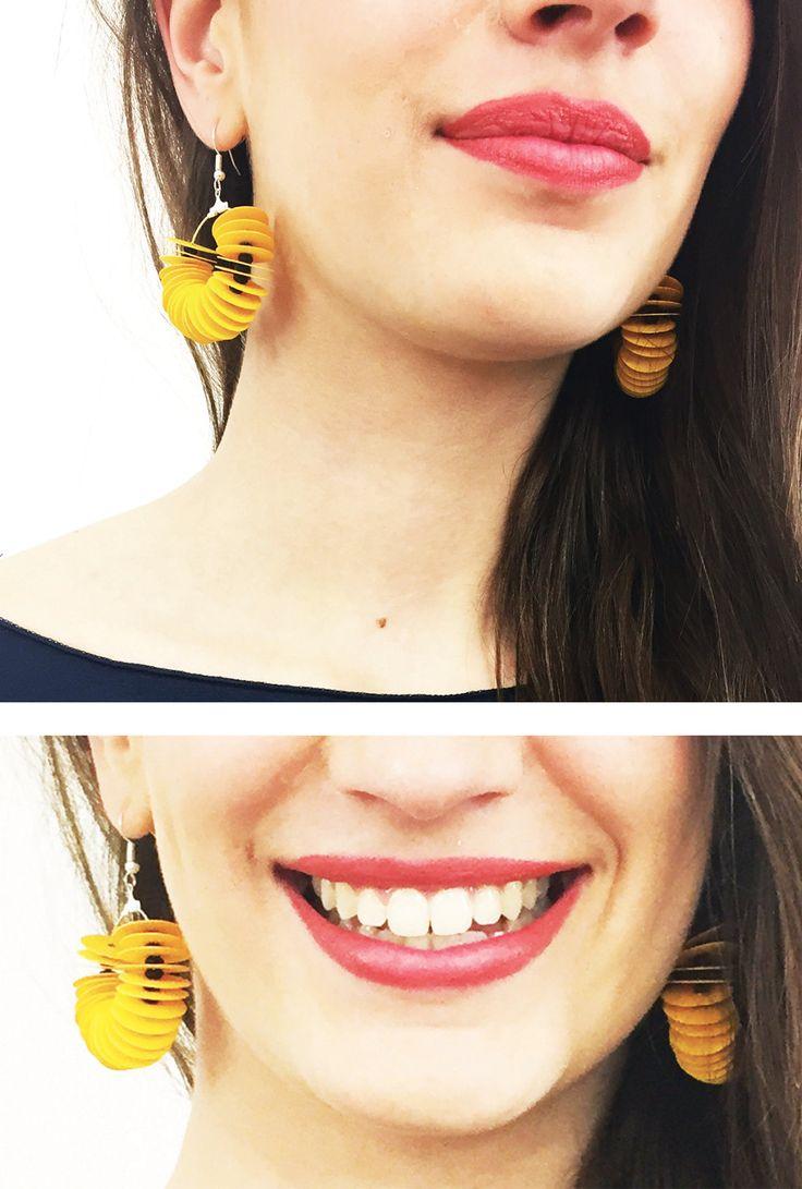Orecchini a cerchio gialli, orecchini pendenti gialli e neri, orecchini di carta, gioielli di carta, orecchini alla moda, orecchini colorati by AlfieriJewelDesign on Etsy