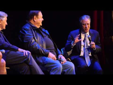 Jon Stewart with the GOODFELLAS cast: They're bad guys but I want to hang out with them - YouTube