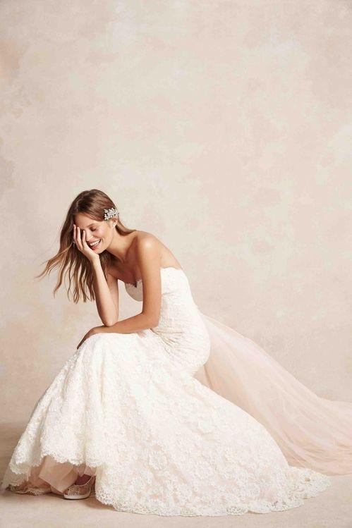 Robe de mariée Monique Lhuillier disponible sur le site Once Wed