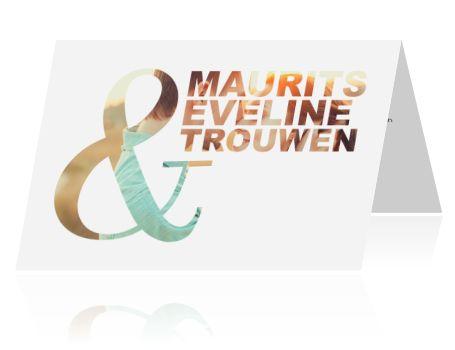 Kaart bruiloft typografie met foto achter de tekst