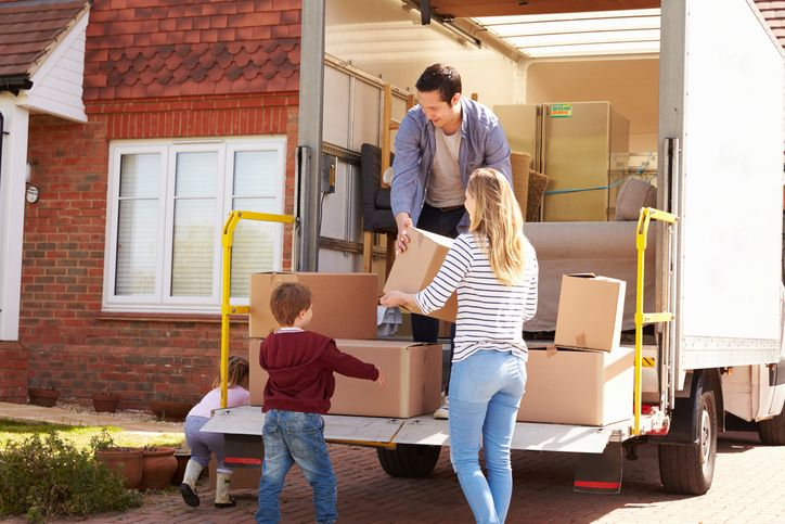 Everything You Need To Know About Renting A Moving Truck The Sparefoot Blog In 2020 Moving Truck Moving Company Moving Truck Rental