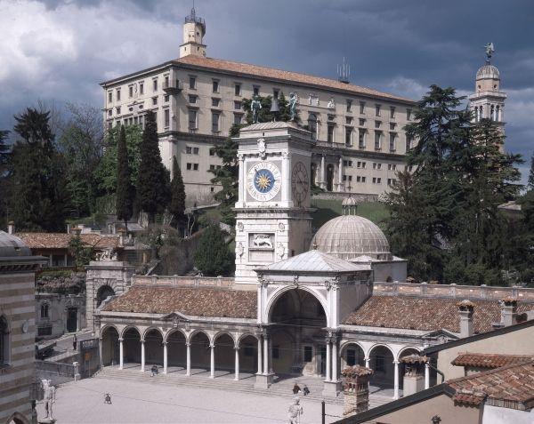 Udine, il Castello e la Loggia del Lionello