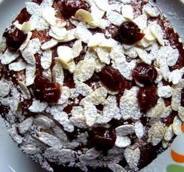 Torta alla crema di mandorle e ciliegie - Cake with almonds cream and cherries - @foodbookscrafts