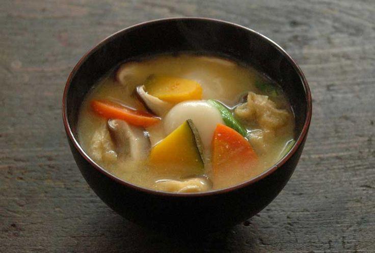かぼちゃのほうとう風、白玉だんご入りのお味噌汁のレシピ
