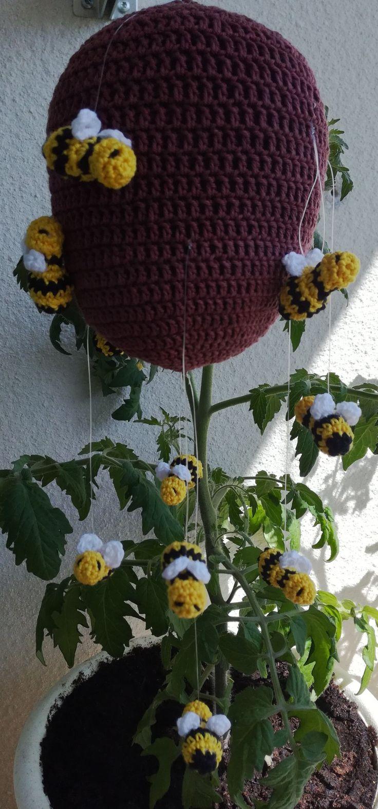 Crochet bees