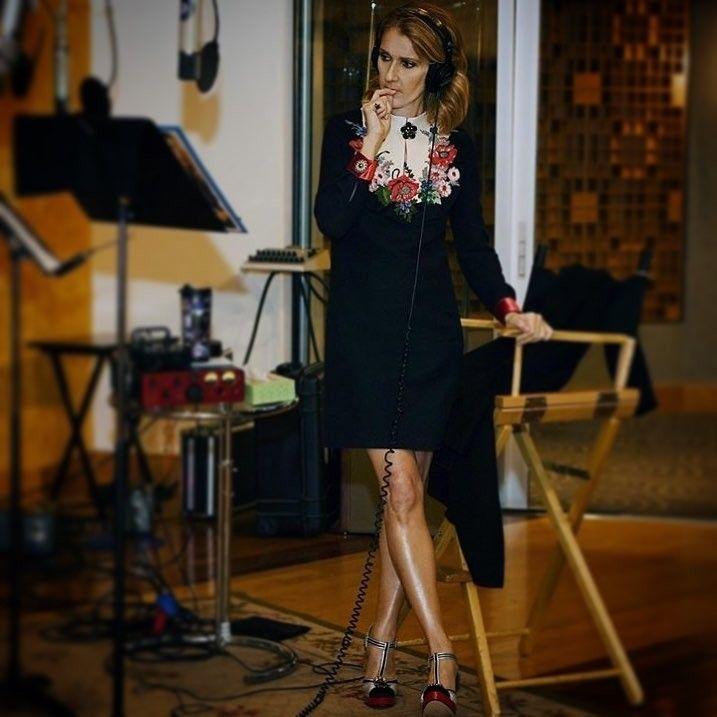 Céline Dion en plein travail pour un nouvel album en anglais  (2018)  https://www.instagram.com/p/BbntYfOnRKN/